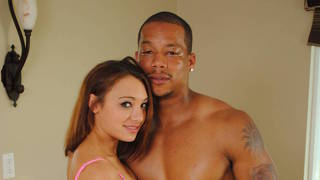 Khloe Kush Is Taken By A Black Guy In The Shower