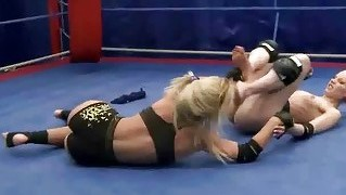Two Hot Young Blondes Fighting