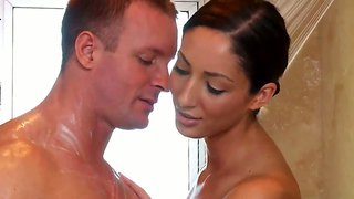 Guy Gets A Great Erotic Massage From Angelica Saige