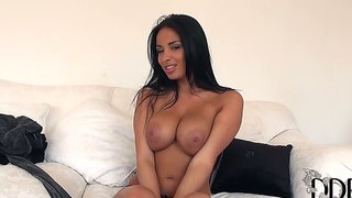 Glamour Well-Tanned Anissa Kate Masturbating