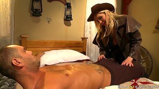 Cowgirl With Nice Tits Alanah Rae Sucking It Well