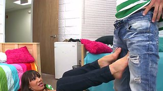 Stacked Ava Devine Giving An Oily Footjob