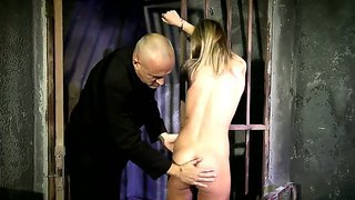 Bound Slutty Babe Vanda Sucks A Huge Cock And Gets Her Cunt Finger Fucked By A Stud