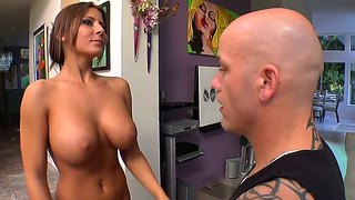 Tanned And Busty Madison Ivy Gets Hot Massage
