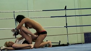 Wrestling Babes Donna Bell And Lucy Belle Fighting