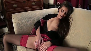 Gorgeous Babe Lorena G Plays With Her Pussy