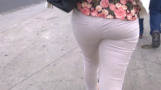 Sdruws2 - Visible Panty Line On The Street