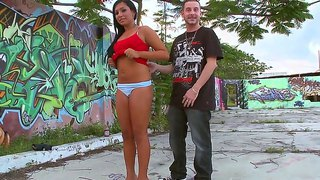 Pretty Kim Kennedy Can Not Resist And Starts Sucking Huge Dick Outdoors