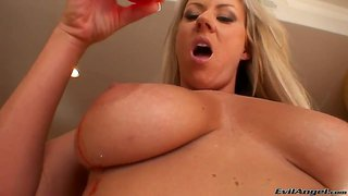 Carolyn Reese Gets Hot Wax On Her Delicious Hooters