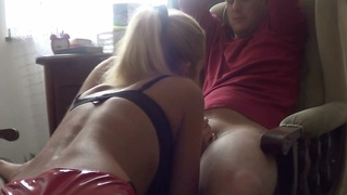 This Horny Housewife Is Fucking Machine