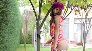 Young Beauty Guerlain Enjoys Masturbating In Naughty Solo In The Outdoors