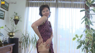 Mature Mother Loves To Play With Herself
