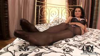 Fetish Brunette Nailon Piccole