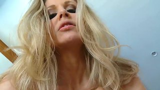 Arousing Housewife Julia Ann Enjoys Having Wild Sex Along Tony Desergio Her Hubby