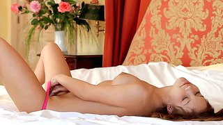 Gorgeous And Elegant Britney S Rubs Her Intimate Parts Early In The Morning