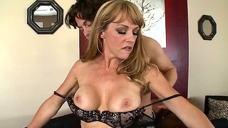 Seth Gamble And Shayla Leveaux Busty Milf Action