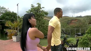 Latina Milf Paola Reveals Her Balloons Outdoor