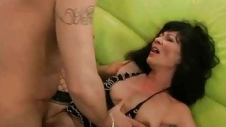 Granny In Stockings Gets Her Pussy Fucked