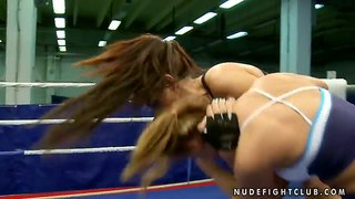 Athletic Girls Linda Ray And Lisa Sparkle Fighting
