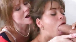 girl caught slutty mom and her boyfriend in the middle of fucking