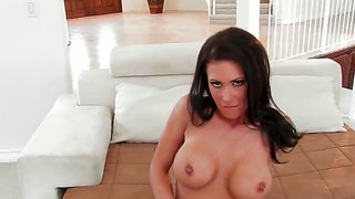 Naughty Jessica Jaymes Has Naughty Fingers