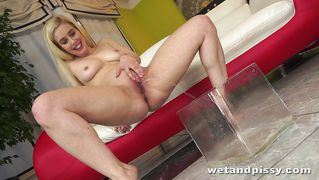 Cute Blonde Aims And Plays