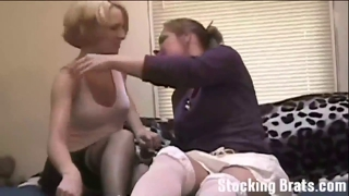 Jessie Loves Worshiping Carmen In Stockings