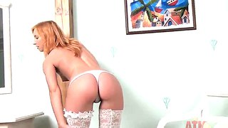 Amateur Tiny Babe Nikky Demonstrates Her Beautiful Sexy Body