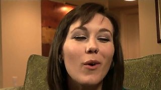 Kate Kastle Seduces & Tongue Kisses Sinn Sage