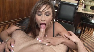 Claudia Valentine Posing And Gagging Deep