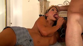 Lustful Tranny Ariel Everitts Sucks Big Cock