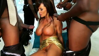 Busty Whore Lisa Ann Fucked By Black Men