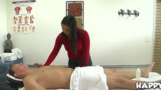 Asian Massage Girl Oiled Her Client And Then Started Giving Him Handjob